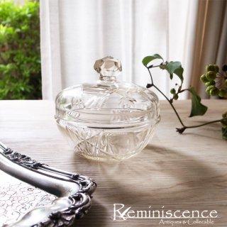 透明で無垢な質感に酔う / Antique Cut Glass Jar