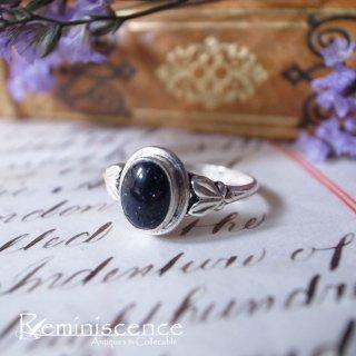 夜空に光る星のように / Vintage Sterling Silver Ring with Deep Blue Glass Cabochon