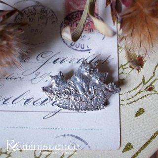 薔薇と三匹の猫と / Vintage Sterling Silver Cat Brooch 1991 London