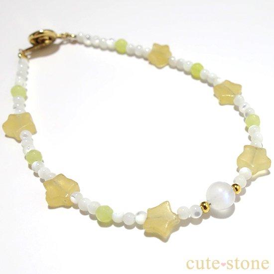 【月とお星様】ブルームーンストーン イエローカルサイト マザーオブパール オリーブジェイドを使ったブレスレットの写真1 cute stone