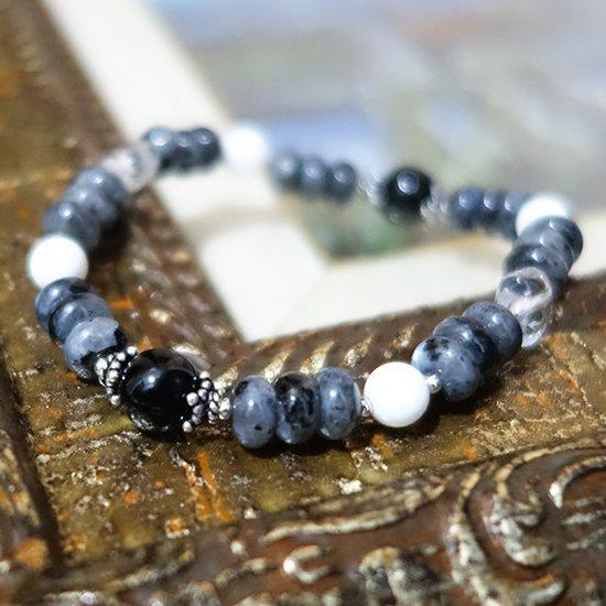 【Mono tone】モリオン ラルビカイト ホワイトシェル 水晶のブレスレットの写真0 cute stone