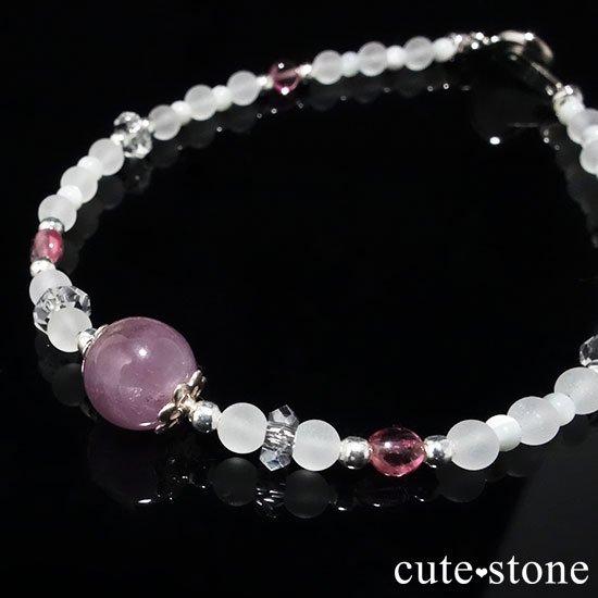 【浅紫の花】1点もの!パープルトルマリン ピンクトルマリン 水晶 マザーオブパールを使ったブレスレットの写真3 cute stone