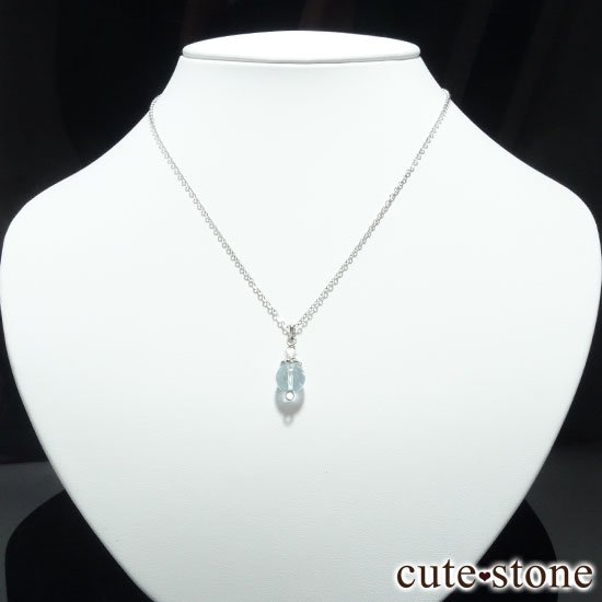 【Birthday Necklace 11月】 ブルートパーズと水晶で作った誕生石ネックレスの写真0 cute stone
