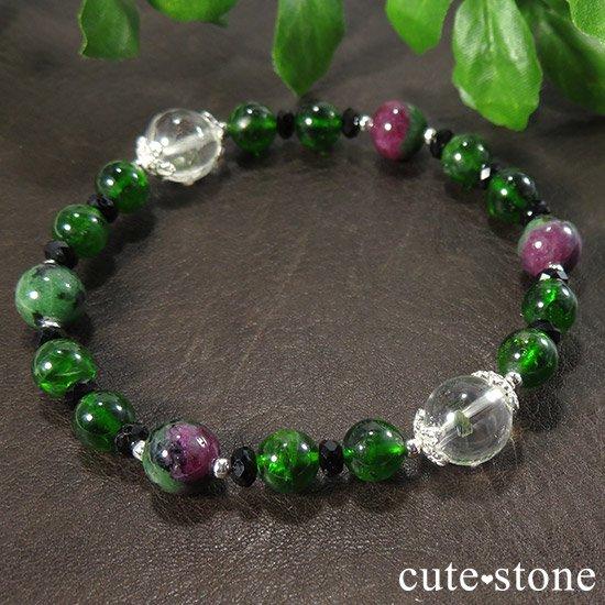 【Green Crystal】 フックサイトインクォーツ クロムダイオプサイト ルビーインゾイサイト ブラックスピネルのブレスレットの写真2 cute stone