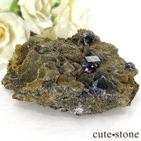 中国 内モンゴル自治区産 フローライトの母岩付き結晶(原石) 143gの画像