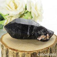 山東省産 モリオン(黒水晶)のシングルポイント(原石)65gの画像
