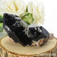 山東省産 モリオン(黒水晶)のクラスター(原石)62gの画像