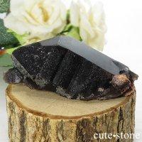 山東省産 モリオン(黒水晶)のシングルポイント(原石)88gの画像