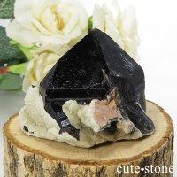 山東省産 モリオン(黒水晶)のクラスター(原石)80gの画像