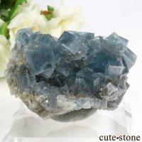 イタリア シチリア島(シシリー)産 ブルーフローライトの母岩付き結晶(原石) 80.6gの画像