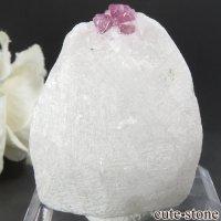 ベトナム産 ピンクスピネルの母岩付き結晶 (原石) 28.1gの画像