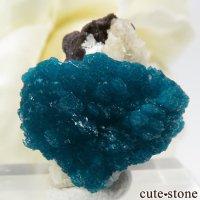インド プネー産 カバンサイトの母岩付き結晶(原石) 4.3gの画像