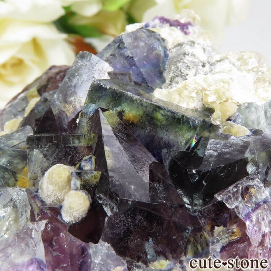 中国 内モンゴル産 パープル×ブルーフローライト&モスコバイトの結晶(原石) 83.2gの写真2 cute stone