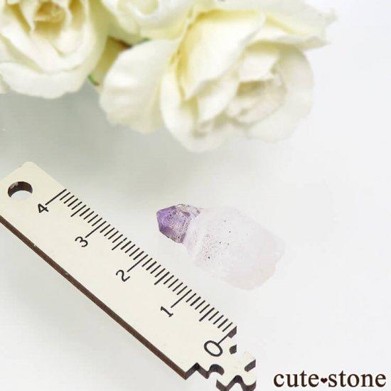 マダガスカル産 リバースセプタークォーツ(アメジスト)の結晶(原石) 3.3gの写真2 cute stone