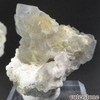 スペイン産 フローライトの母岩付き結晶(原石) 44.5gの画像
