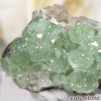 タンザニア産 ツァボライト&ダイオプサイトの母岩付き結晶(原石) 32.5ctの画像