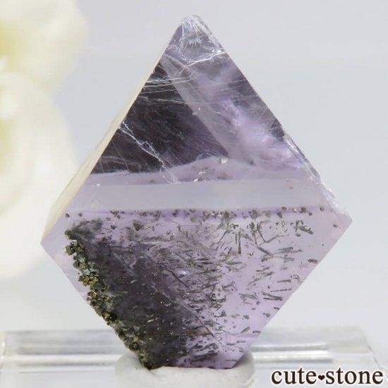 アメリカ産 八面体(へき開結晶)パープルフローライト(蛍石)6.7g の写真1 cute stone