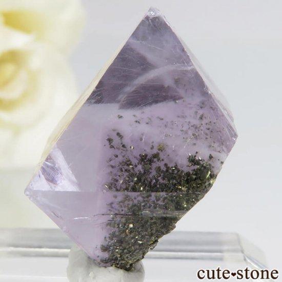 アメリカ産 八面体(へき開結晶)パープルフローライト(蛍石)6.7g の写真2 cute stone
