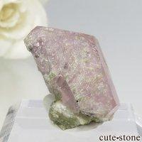 パキスタン シガル産 ピンクアパタイトの結晶(原石) 4.8gの画像