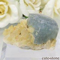 パキスタン シガル産 ブルー×グリーンフローライト&クォーツの結晶(原石) 9.8gの画像