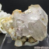 パキスタン シガル産 トパーズ&クォーツの母岩付き結晶(原石) 58.1gの画像