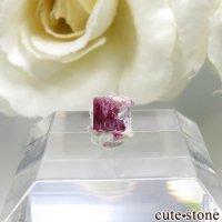 アメリカ ユタ州産 レッドベリルの結晶 0.4ctの画像