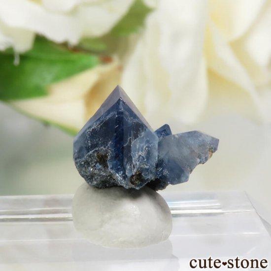 カリフォルニア産 ベニトアイトの結晶(原石)1gの写真0 cute stone