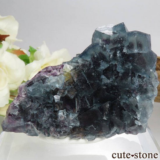 ナミビア Okorusu Mine産ブルー×パープル×グリーンフローライトの原石 53.5g