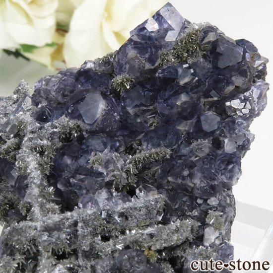 中国 福建省産パープルブルーフローライト&クォーツの母岩付き結晶(原石) 50.2gの写真3 cute stone