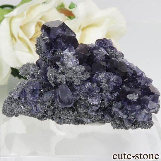 中国 福建省産パープルブルーフローライト&クォーツの母岩付き結晶(原石) 28.4g