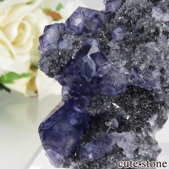 中国 福建省産パープルブルーフローライト&クォーツの母岩付き結晶(原石) 15gの写真2 cute stone