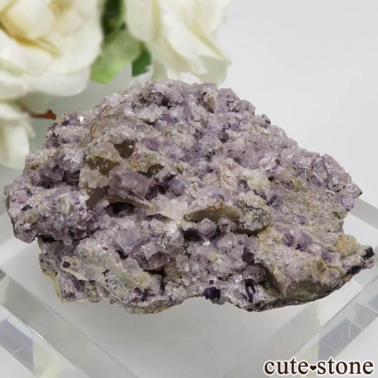 チェコ Zinnwald産 パープルフローライトの母岩付きの結晶(原石) 21.2gの写真0 cute stone