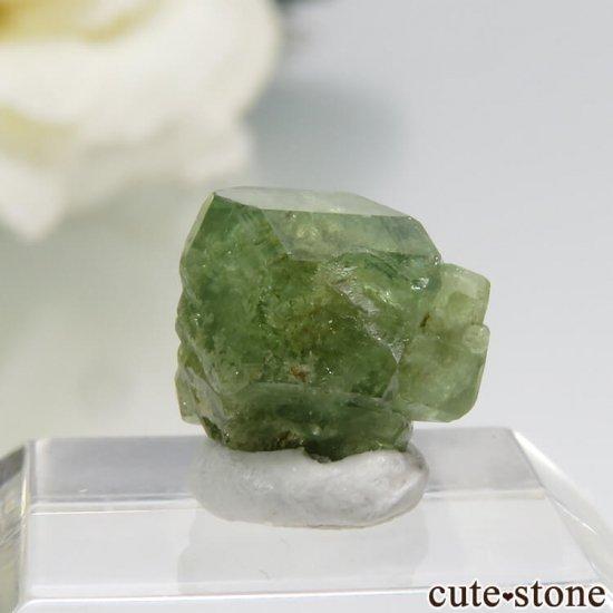 マダガスカル産のデマントイドガーネットの結晶 0.7gの写真1 cute stone
