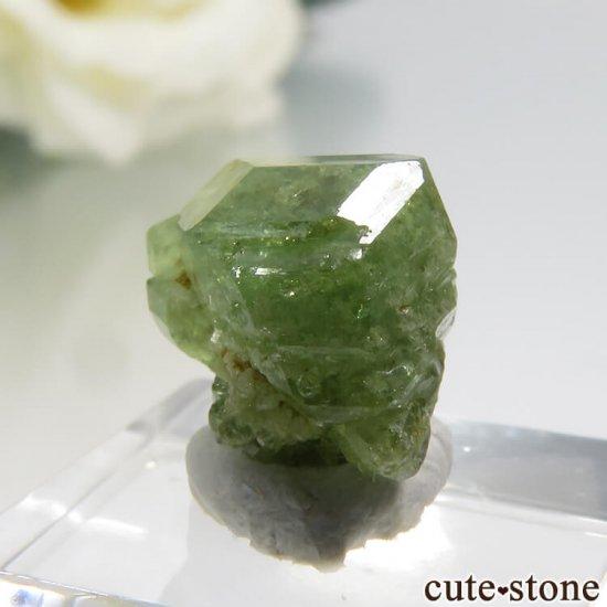 マダガスカル産のデマントイドガーネットの結晶 0.7gの写真3 cute stone