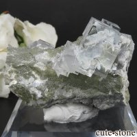 中国 福建省産 ライトグリーンフローライトの原石 No.14の画像