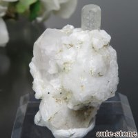 パキスタン シガル産 アクアマリン&アルバイト&クォーツの母岩付き原石 No.10の画像