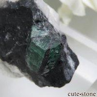 コロンビア ムゾー産 トラピッチェエメラルド母岩付きの原石 No.1の画像
