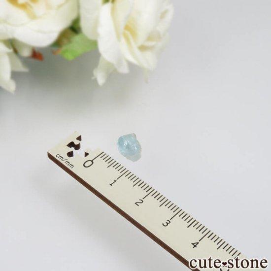 コロンビア Gachala産 ユークレースの原石 No.12の写真3 cute stone