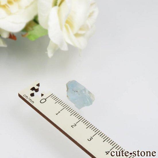 コロンビア Gachala産 ユークレースの原石 No.14の写真2 cute stone