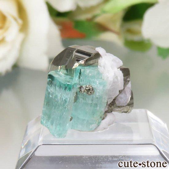 コロンビア Chivor Mine産 エメラルド&パイライトの結晶(原石)No.6の写真2 cute stone