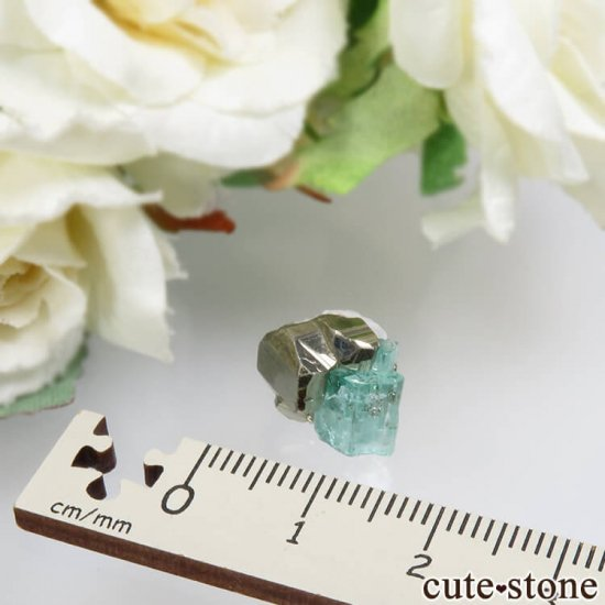 コロンビア Chivor Mine産 エメラルド&パイライトの結晶(原石)No.6の写真3 cute stone