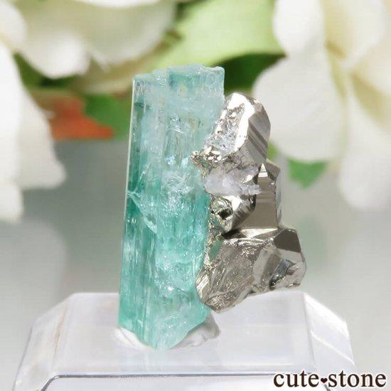 コロンビア Chivor Mine産 エメラルド&パイライトの結晶(原石)No.8の写真1 cute stone
