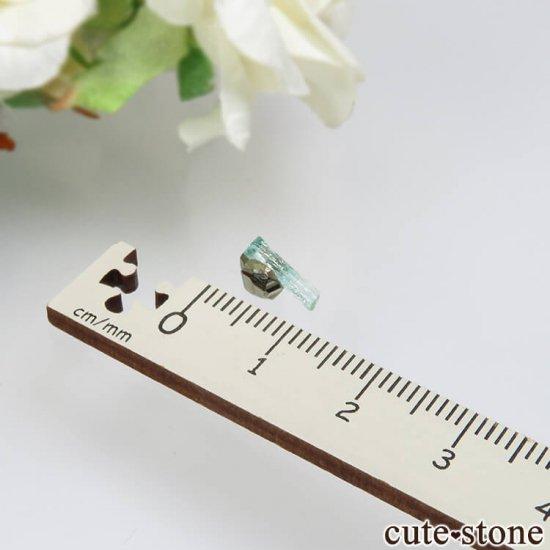 コロンビア Chivor Mine産 エメラルド&パイライトの結晶(原石)No.12の写真3 cute stone