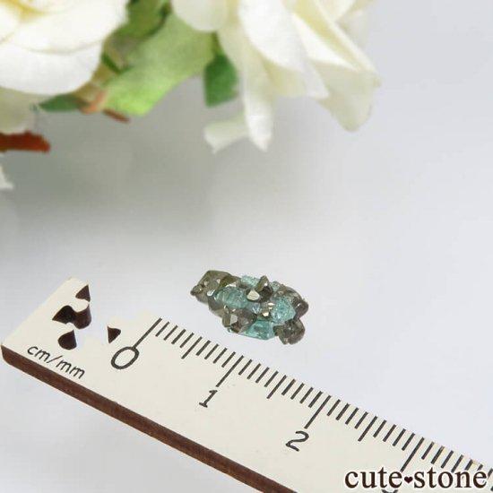 コロンビア Chivor Mine産 エメラルド&パイライトの結晶(原石)No.13の写真3 cute stone