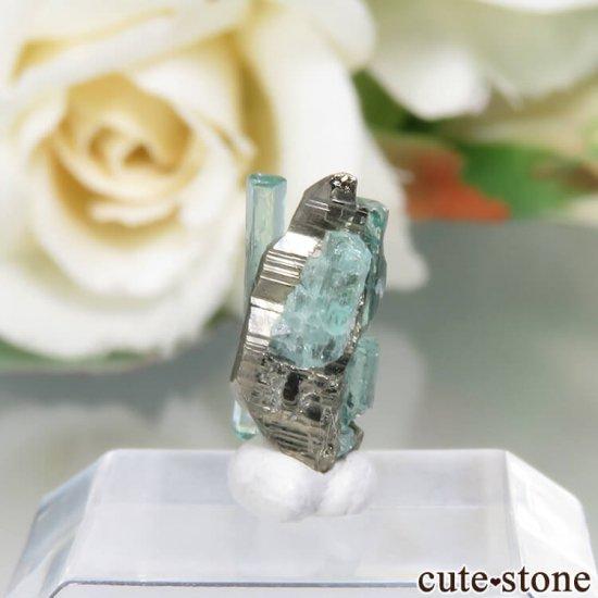 コロンビア Chivor Mine産 エメラルド&パイライトの結晶(原石)No.15の写真1 cute stone