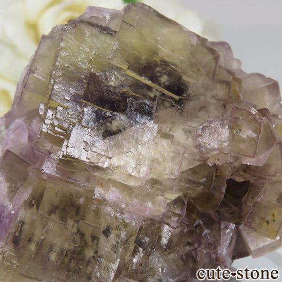 フランス Fontsante Mine産 ライトイエロー×ライトパープルフローライトの原石 No.16の写真3 cute stone
