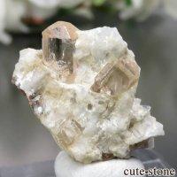 パキスタン Katlang産 オレンジピンクトパーズ (インペリアルトパーズ)の母岩付き原石 No.15の画像