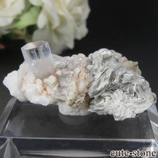 パキスタン シガル産 ゴシェナイト&モスコバイトの母岩付き原石 No.15