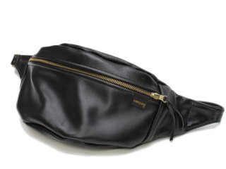 <img class='new_mark_img1' src='https://img.shop-pro.jp/img/new/icons61.gif' style='border:none;display:inline;margin:0px;padding:0px;width:auto;' />VANSON NEW FANNY PACK BLACK - LEATHER OVAL PATCH