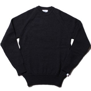 <img class='new_mark_img1' src='https://img.shop-pro.jp/img/new/icons20.gif' style='border:none;display:inline;margin:0px;padding:0px;width:auto;' />Yarmo Fishermans Jumper - NAVY
